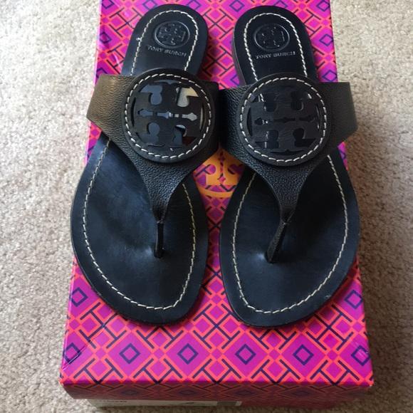 b9e3d9a767a Tory Burch Louisa Flat Tumbled Leather Sandals 7. M 5b37d4497386bc818c6490cb